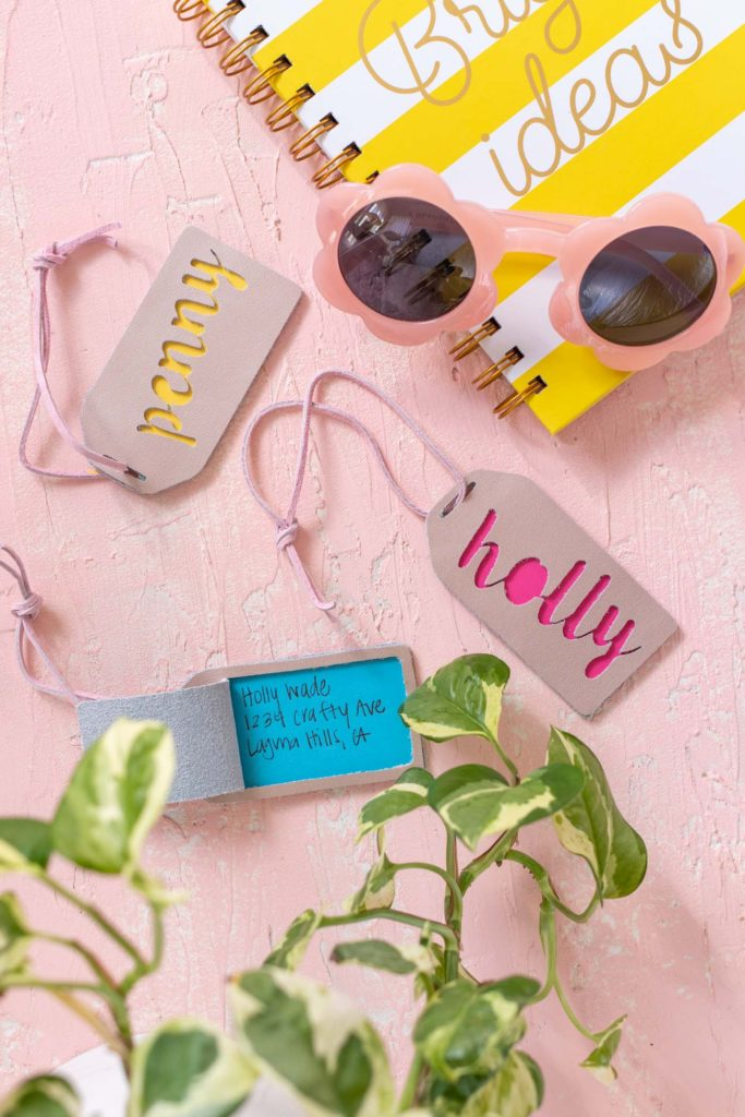 No-Sew Leather Personalized Luggage Tag with Cricut by Club Crafted / Make no-sew luggage tags with metallic leather for custom luggage accessories that allow you to travel in style! Each free downloadable template for these leather luggage tags has a flap for concealing personal information! Use the free cut file with a Cricut or Silhouette machine / #diyideas #giftideas #traveldiy #leatherdiy #leathercrafts #freedownload #freetemplate #cricutmade