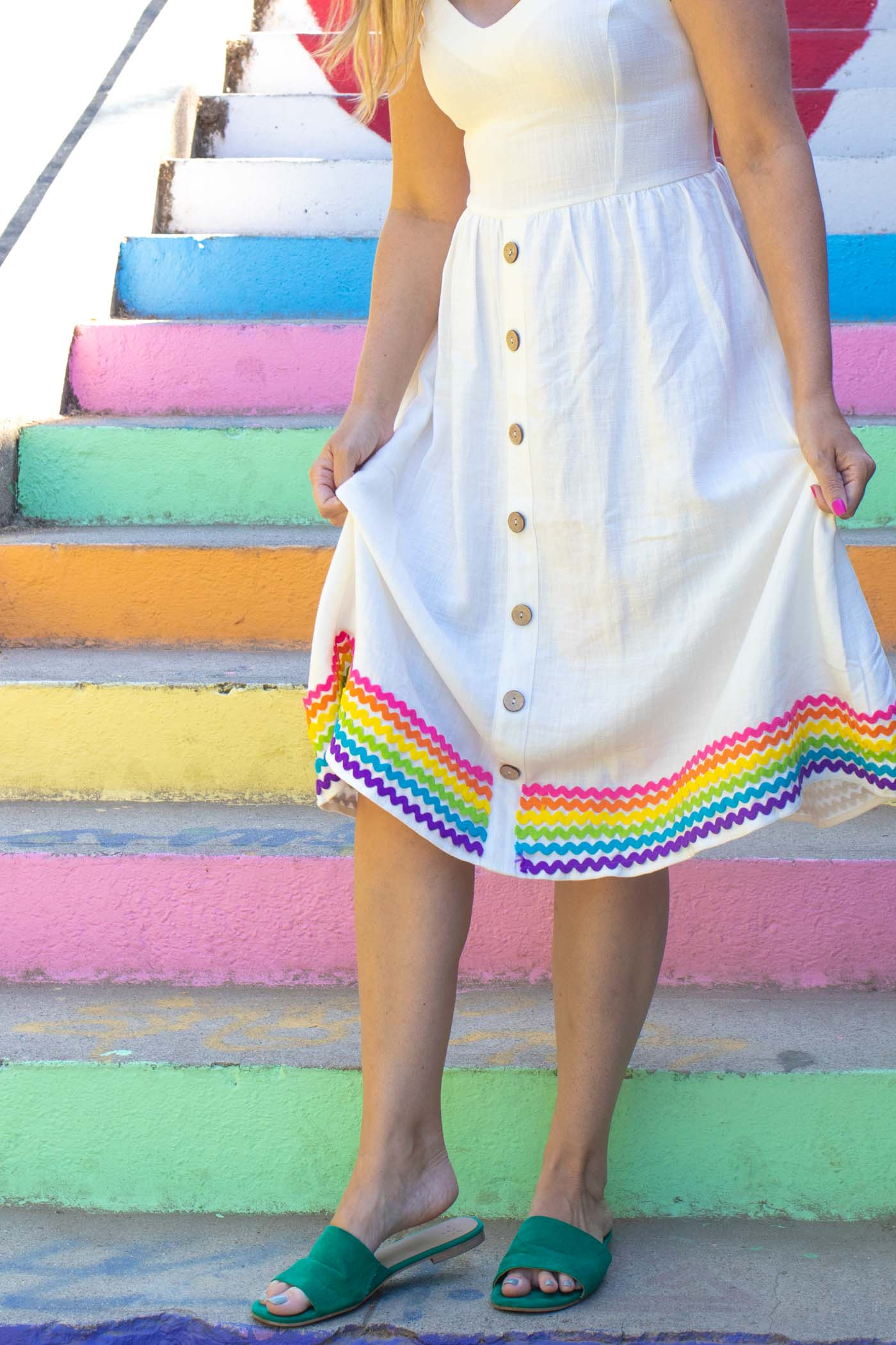 DIY Rainbow RickRack Dress // How to Sew RickRack // Learn the easy way to sew rick rack with this sewing tutorial to update a dress for summer with cute rainbow trim! #sewing #womensfashion #rickrack #howtosew #rainbow #fabricprojects #diyideas