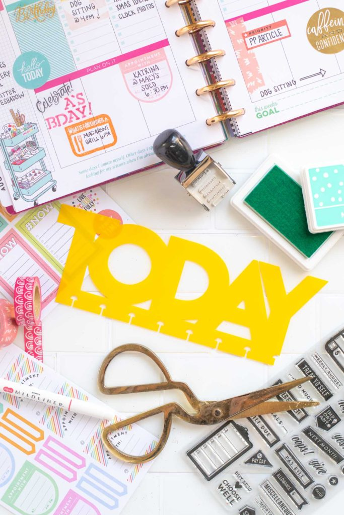"""DIY """"Today"""" Planner Divider for Happy Planner // Planner SVG Templates // Upcycle a school folder into a planner divider to make the week! Download this free SVG template for Cricut or Silhouette to make your own TODAY divider! #plannerideas #happyplanner #scrapbooking #papercrafts #upcyclecrafts #templates #cricut"""