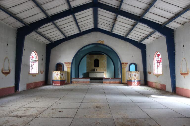 Iglesia del pueblo la Siberia abandonada