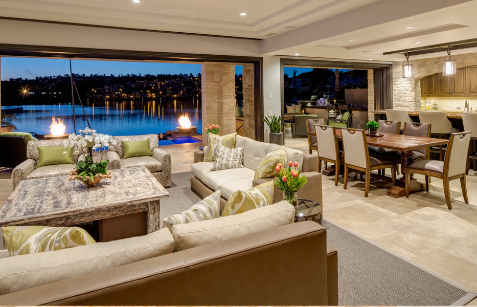 Family room waterfront view in a custom home built by Chris O'Grady as Director of Construction at Grady O Grady