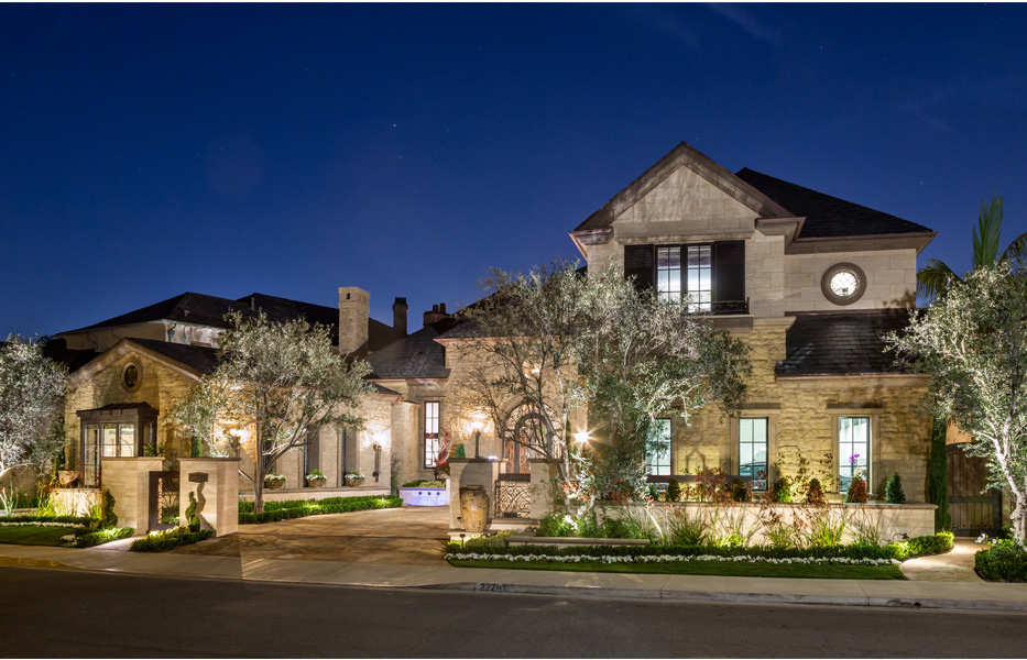 Front of custom home built by Chris O'Grady as Director of Construction and Partner at Grady O Grady