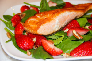 Seared Salmon Strawberry Spinach Salad {Whole30} {Paleo}