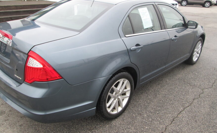 2012 FORD FUSION SEL. CLEAN CAR WITH LOTS OF OPTIONS AND GOOD MILES.