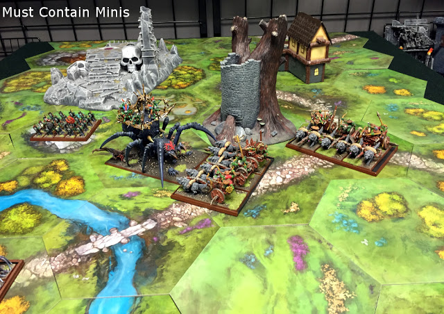 Great looking battle in 28mm fantasy