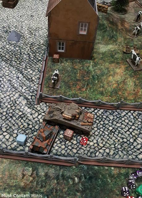 Bolt Action - R35 vs Sherman