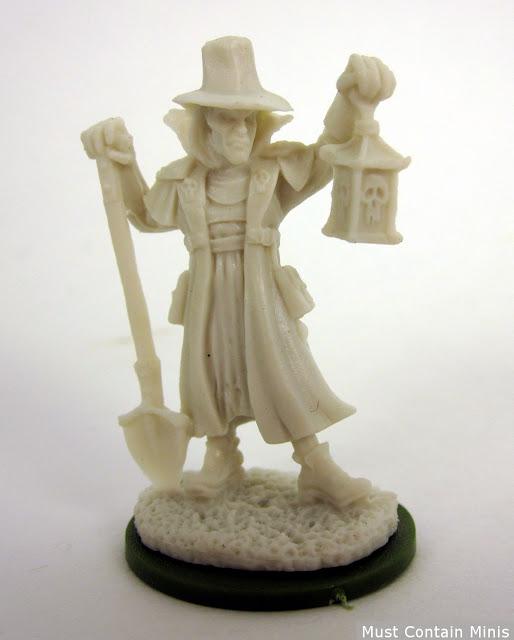 Reaper Miniature Townsfolk Undertaker 32mm 77143