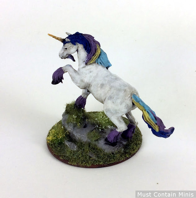 Showcase of a painted unicorn for WizKids Pathfinder Battles Game