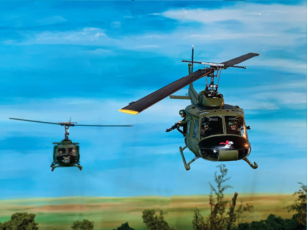 28mm Huey Helicopter Miniature for Vietnam