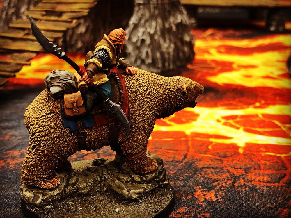 32mm soldier mounted on a bear - DGS Games Freeblades Miniatures