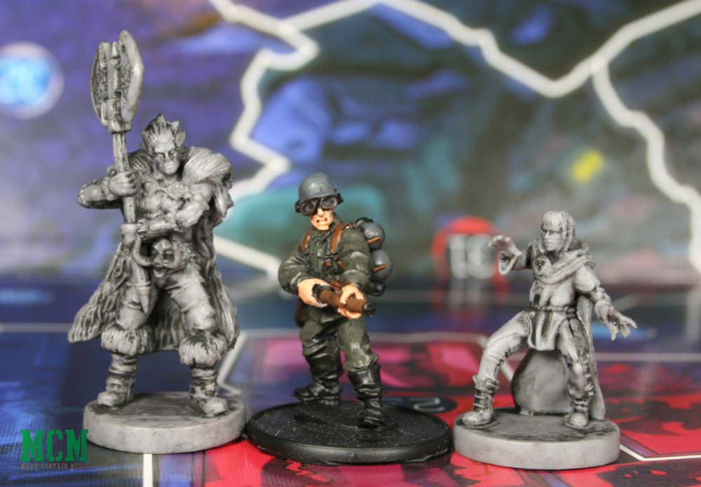 Judge Dredd Board Game Miniatures Scale Comparison to 28mm miniatures