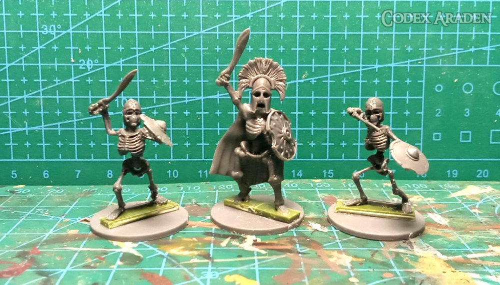 Scale comparison of Wargames Atlantic Skeletons to Warlords of Erehwon Skeletons. Both considered 28mm.