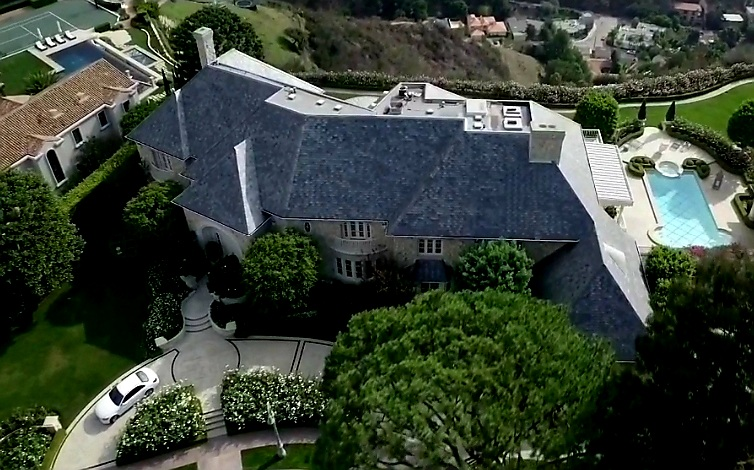 Mastersofmoney.com Wealth and Success Mansion Photo