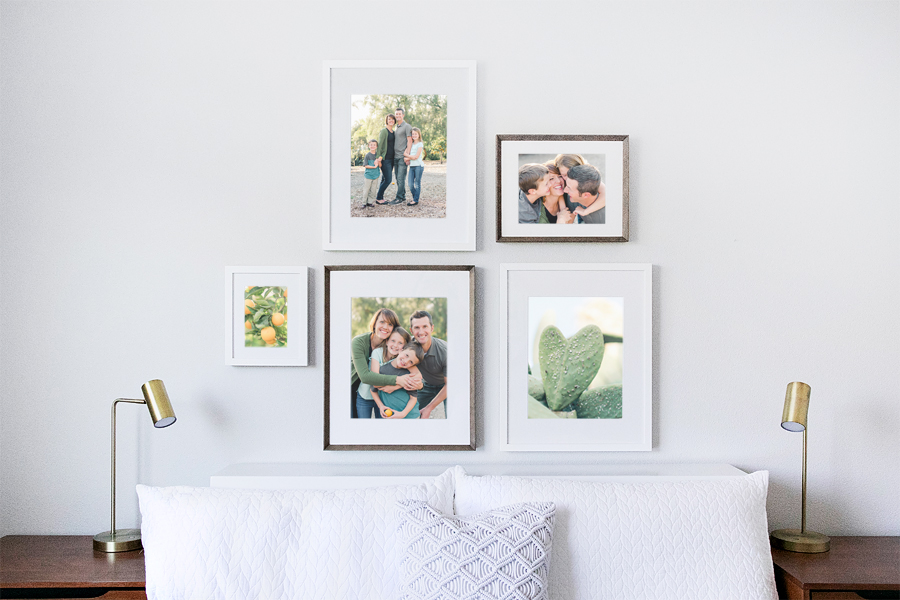 DESIGN_AGLOW_MULTIPLE_FRAMES_MOCKUP_025