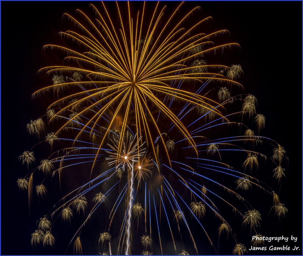 Fourth-of-July-Fireworks-2016-0371-Edit
