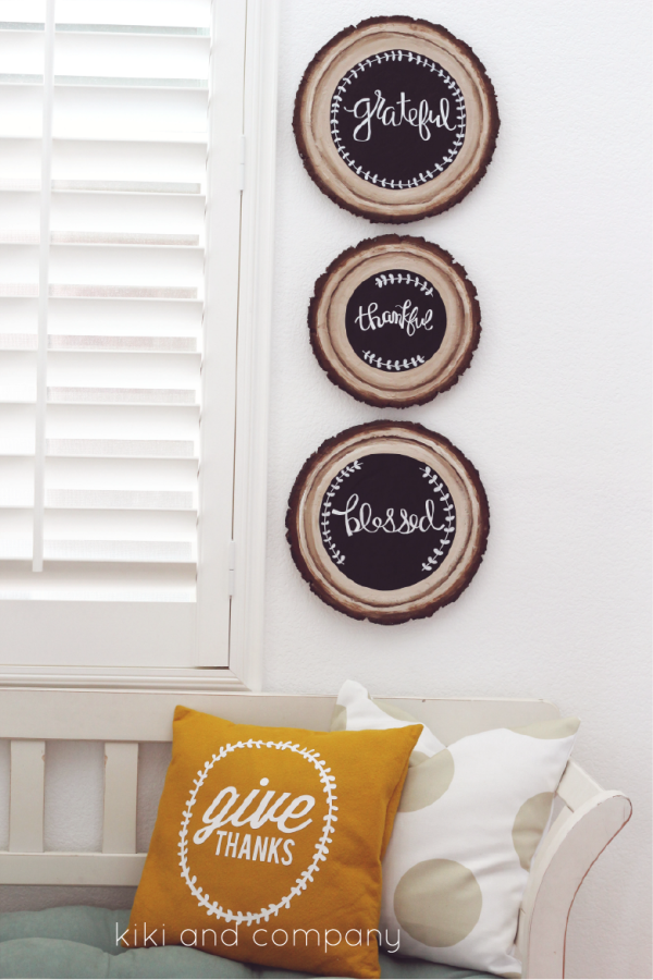 DIY Wood Slice Chalkboard Sign. LOVE these.