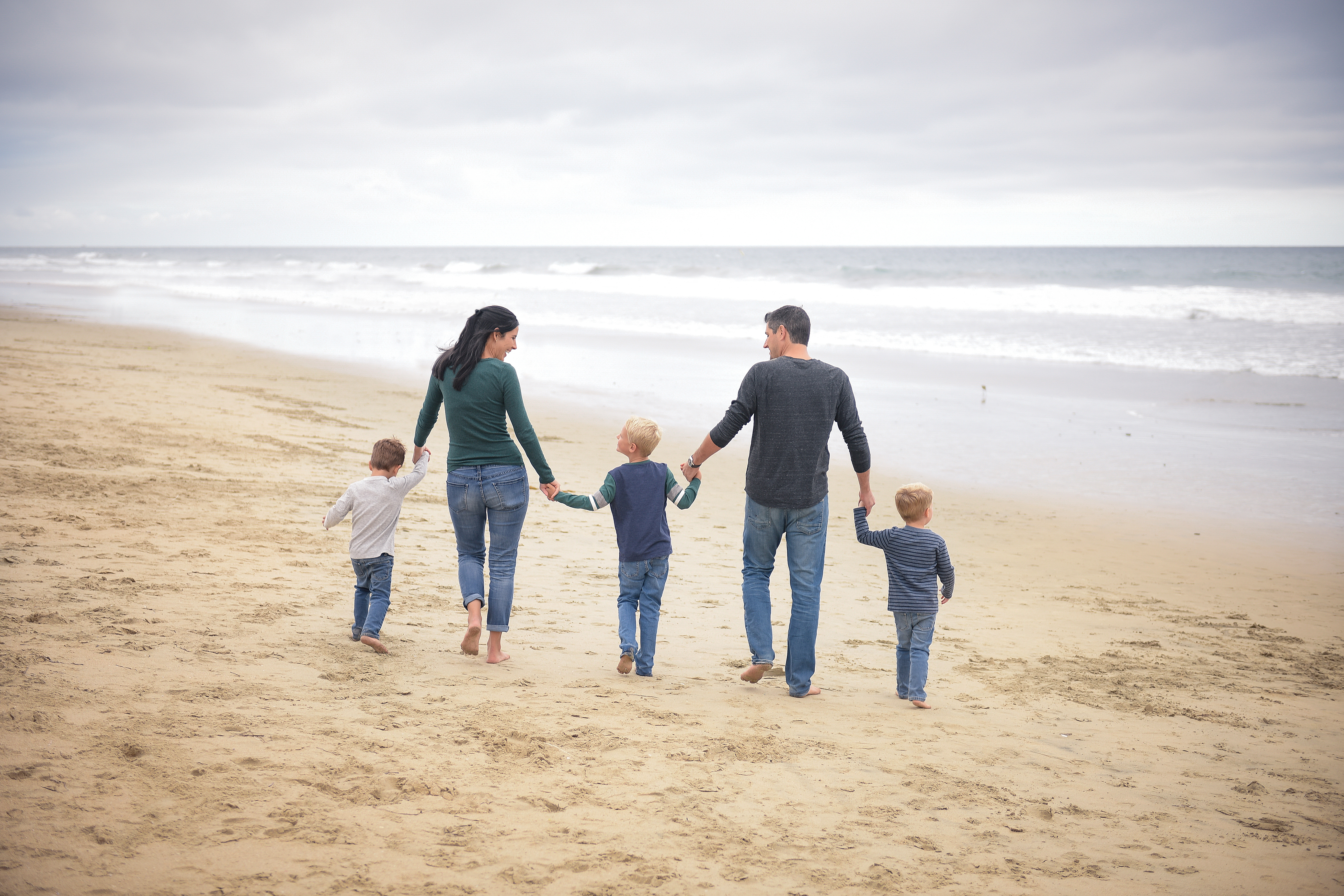 Family beach pictures | family pictures | orange county family photographer | family