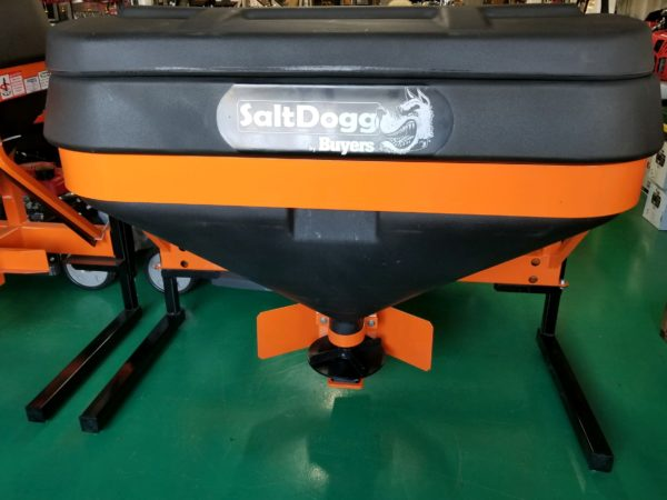 06- Commercial Tailgate Spreader TGS05B