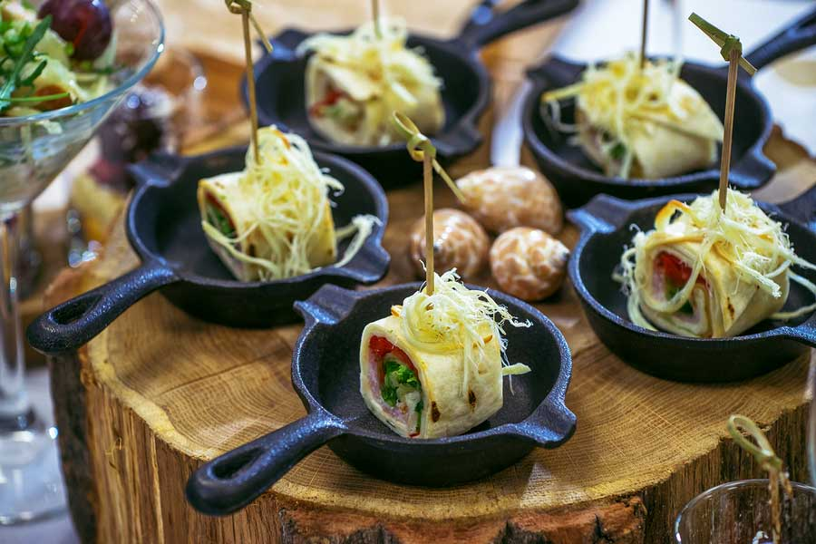What If the Banquet Hall Won't Let You Use Your Caterer?