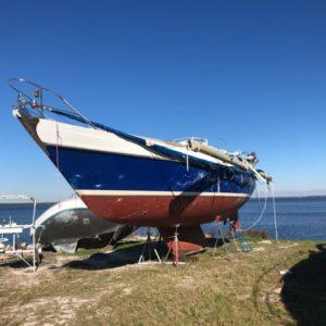 """Vessel – S/V """"Borne Free"""" – 1983 42' Contest – 72900.019 – Closing: 1 March 2019"""
