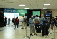 IATA recomienda a los pasajeros hacerse la prueba de hisopado antes de tomar los vuelos