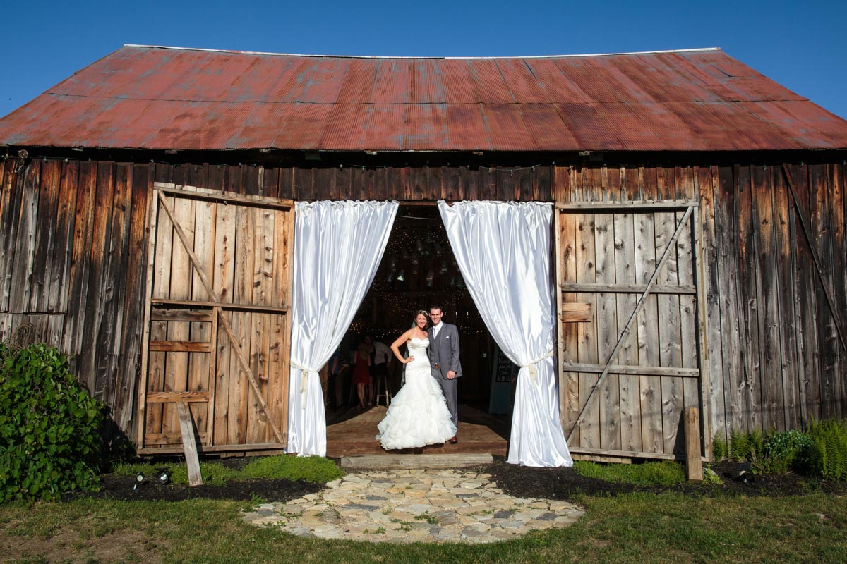 wedding photography Burlap and Beams