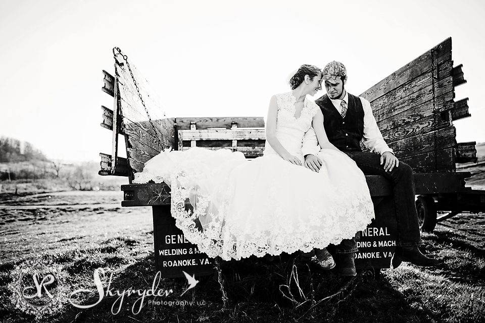 blacksburg roanoke giles craig county wedding photography bridal-08