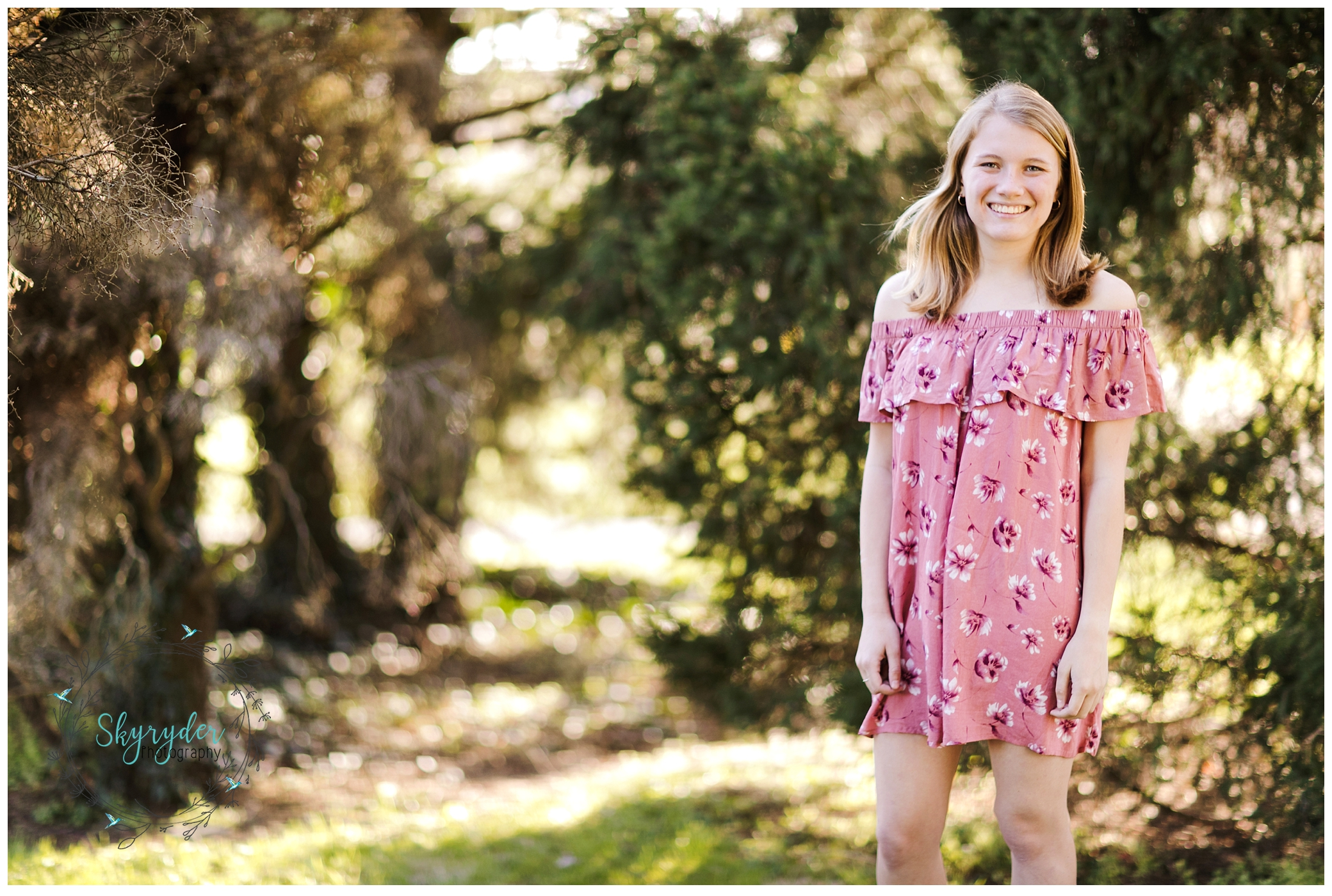 Simonne | Blacksburg High School Senior Photographer | Hahn Horticulture Garden
