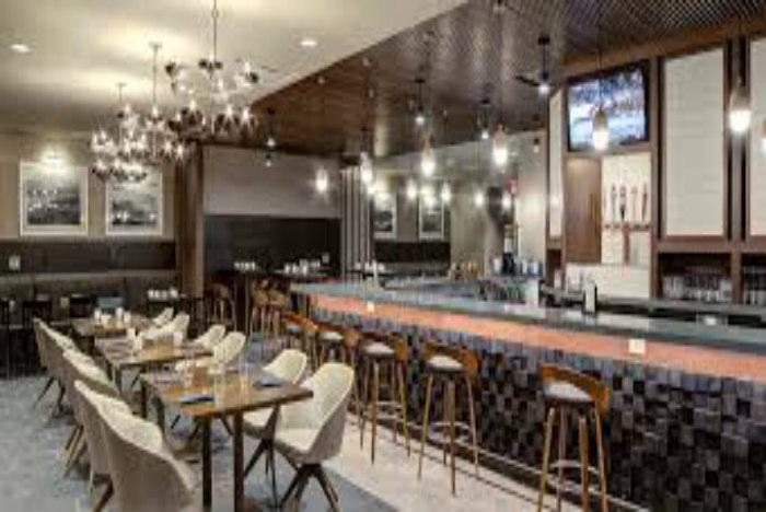 DoubleTree by Hilton Harrisonburg lobby700