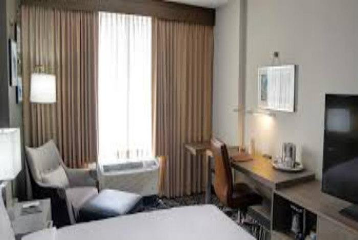 DoubleTree by Hilton Harrisonburg room700