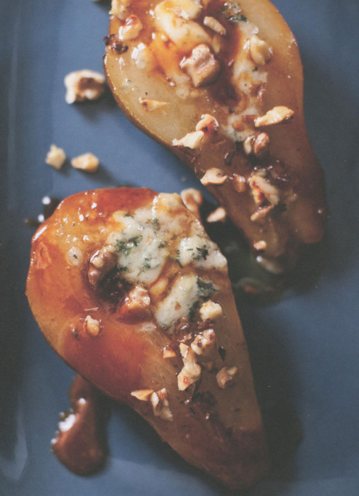 wc-honey-roasted-pears-with-blue-cheese-and-walnuts