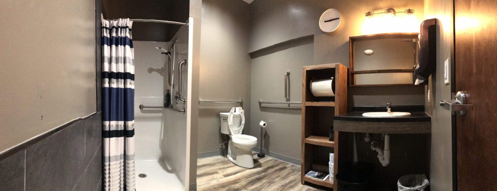 © Sol Hot Yoga Studio_Men's restroom