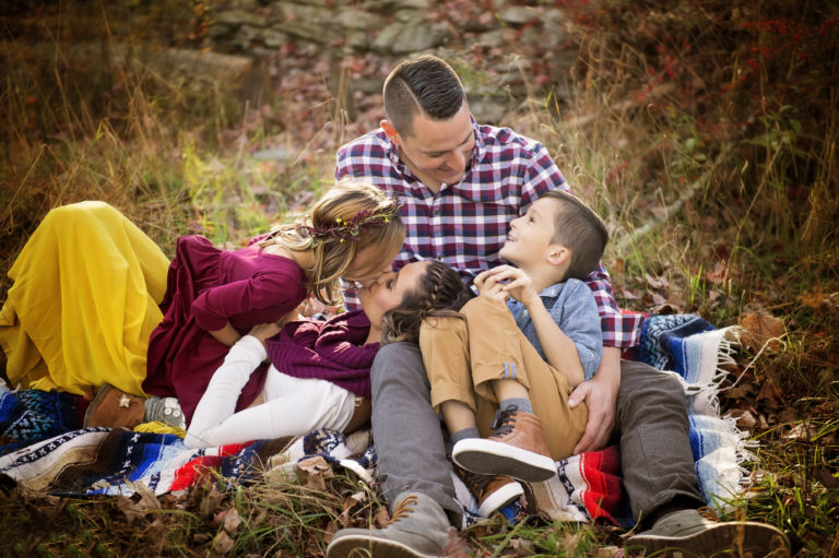 outdoor family photo on blanket
