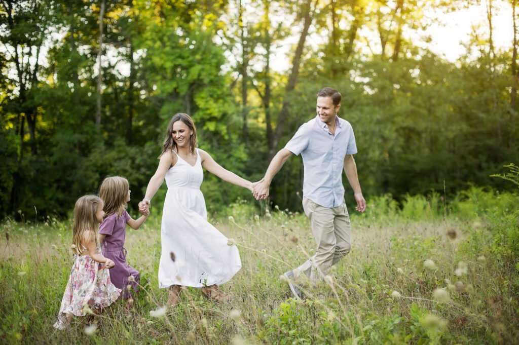 outdoor family photoshoot in Saratoga Springs NY
