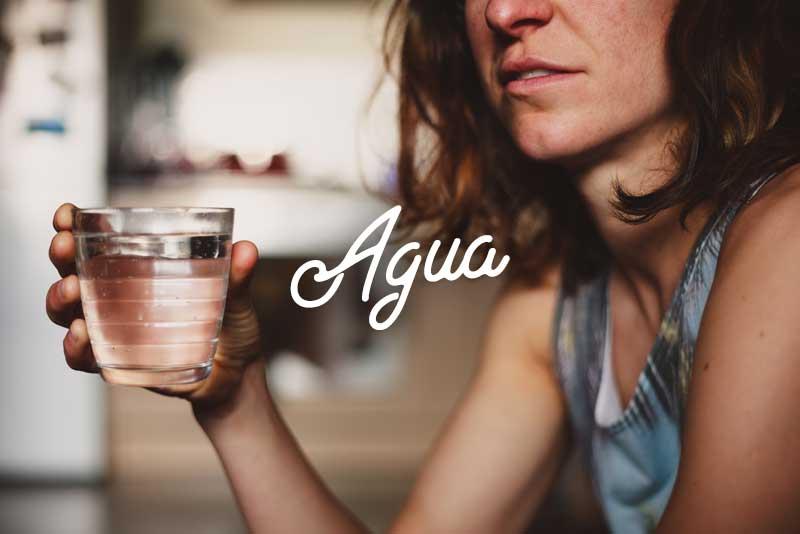 10 tips para comenzar una vida Saludable A Mi Manera - beber agua