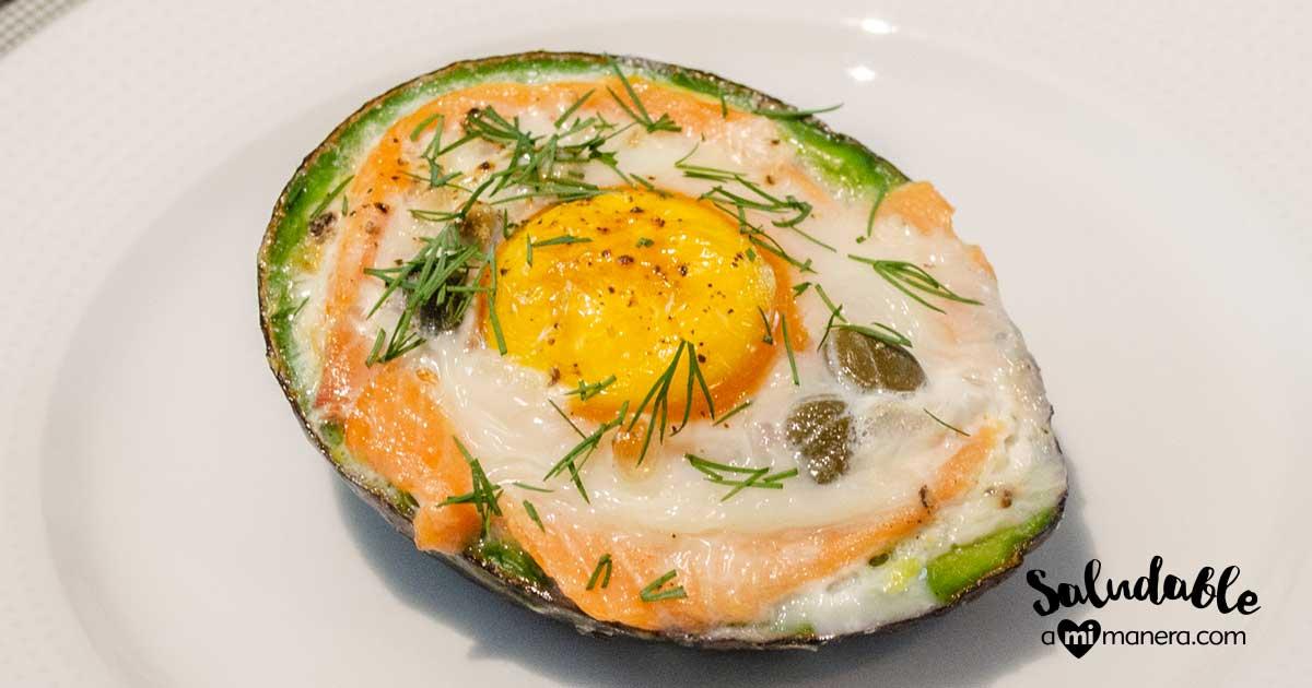 Aguacate Relleno De Huevo Y Salmón Ahumado