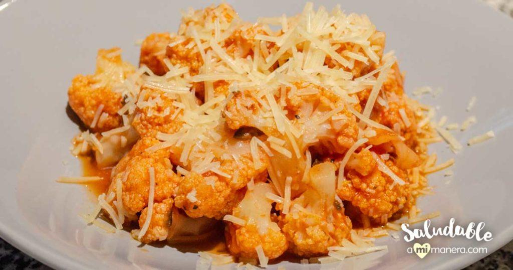 Coliflor con salsa mediterránea