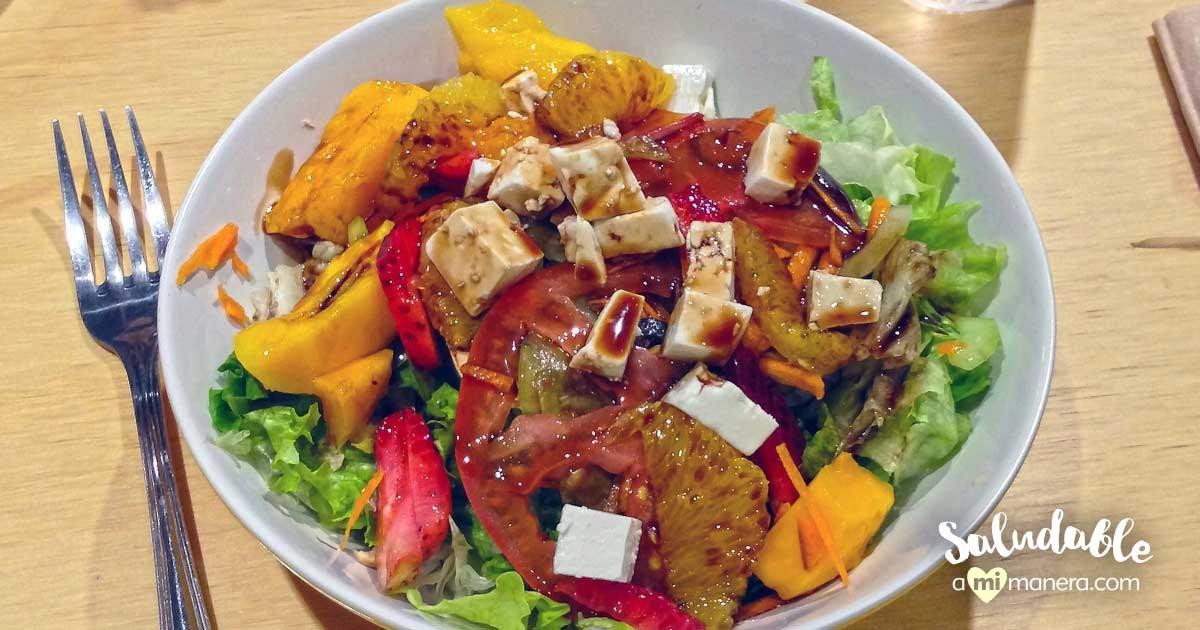 Ensalada Con Naranja, Mango Y Fresa Estilo Tucán