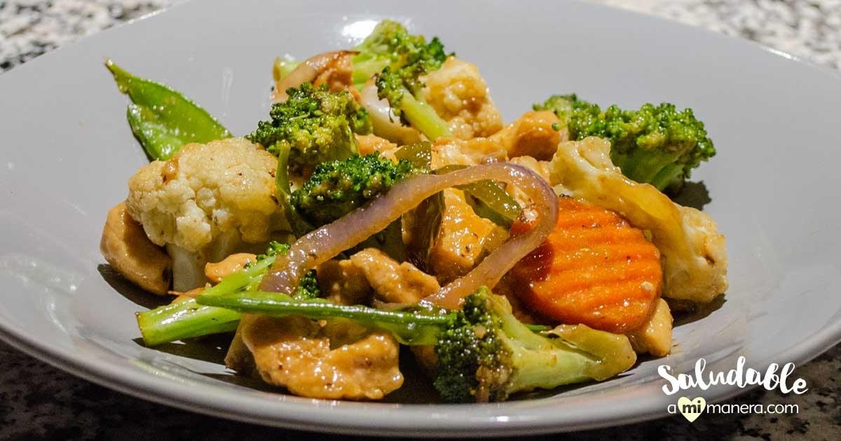 Pollo Con Verduras Estilo Oriental
