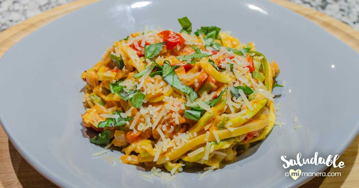 Espagueti De Calabacita, Tomate Y Albahaca