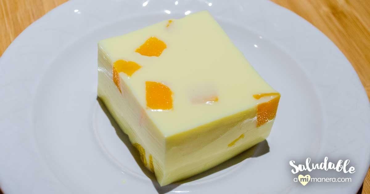 Gelatina De Piña Con Yogurt Griego Y Mango