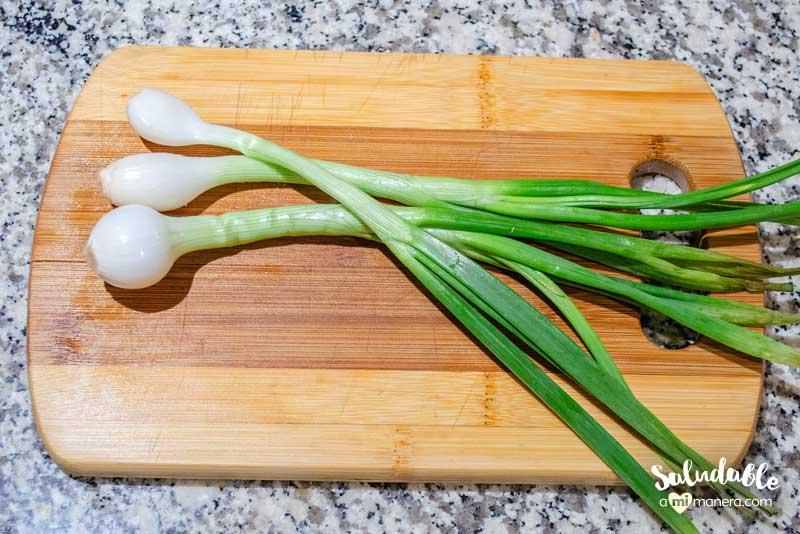 Espinacas gratinadas con cebollas cambray