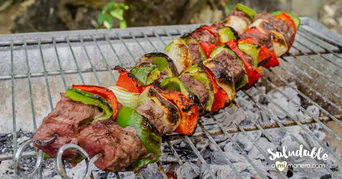 Brochetas De Carne De Res, Pimiento Y Cebolla