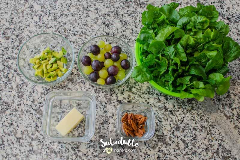 ingredientes ensalada de arúgula con uvas