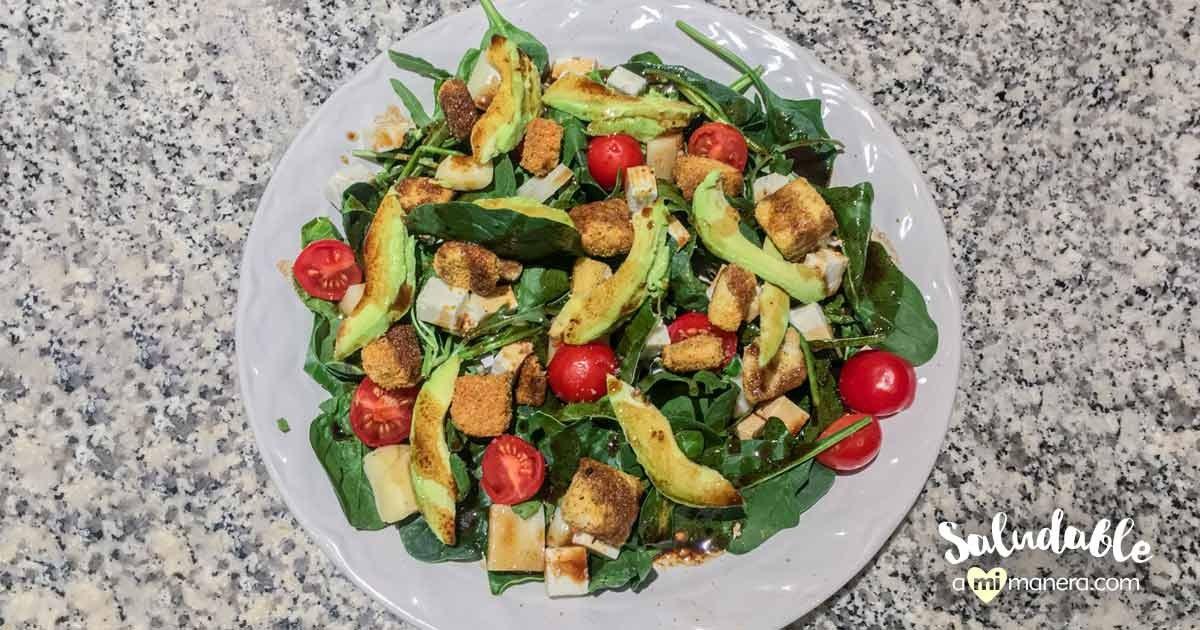 Ensalada De Espinaca Con Aguacate Y Tomates