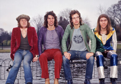 "Slade to release ""Cum On Feel The Hitz"" in September"