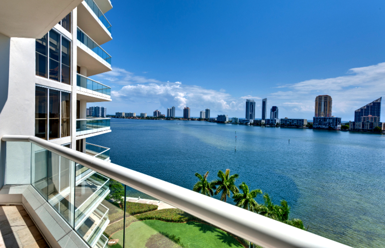 Balcony Overlook Oceanfront South Florida Archetype Engineer Engineering Architect Architecture