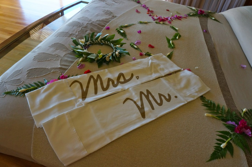 DSC03533honeymoon travel luxury travel weddings packing bridal bora bora island travel