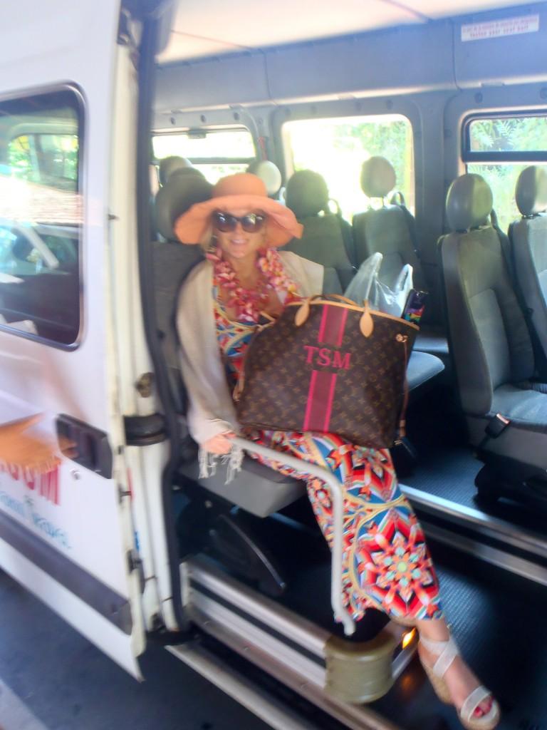 LV mon monogram louis vuitton travel blog ladyhattan bora bora tahiti tara moss