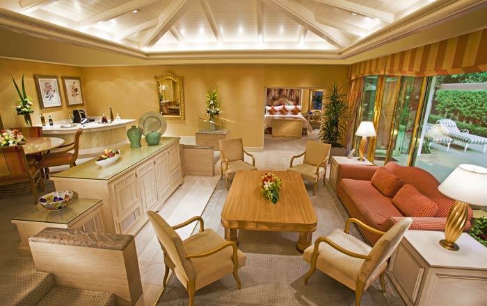 ladyhattan travel blog las vegas bachelorette party suites